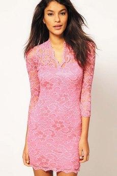 Розовое гипюровое платье с V-образным вырезом Kokette со скидкой